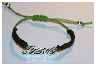 antetanni_bastelt_Armband-geflochten_Love