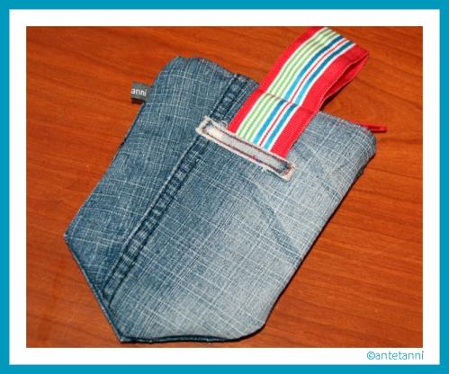 antetanni-naeht_Jeans-Taeschchen-Ladestation4