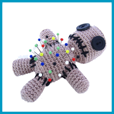antetanni_Supergurumi-Voodoo-Puppe_Q