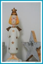 antetanni_weihnachten_engel_pappmache_stern_holz