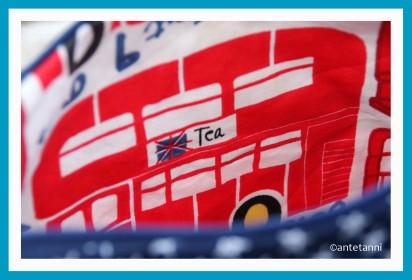antetanni-geburtstagwichteln-ulrikessmaating-jenaeht-kosmetiktasche-blau-weiss-rot-maritim-london-bus