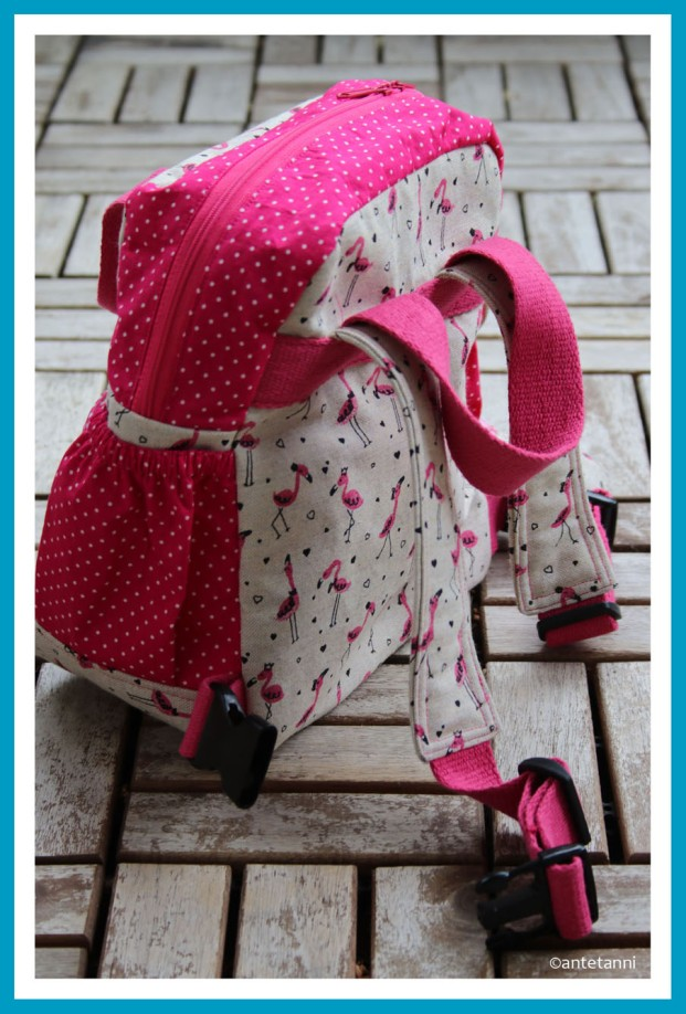 antetanni-naeht-Rucksack-Little-Lialuma-Pink-Flamingos-Rueckseite