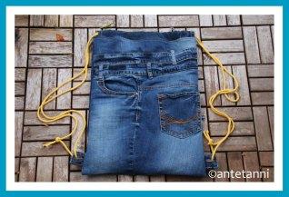antetanni-naeht-rucksack-jeans-upcycling-sportbeutel-hipsterbeutel-turnbeutel_2019-11_flatlay