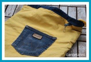 antetanni-naeht-rucksack-jeans-upcycling-sportbeutel-hipsterbeutel-turnbeutel_2019-11_Innenansicht-Einstecktasche