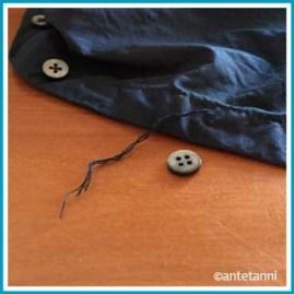 antetanni-repariert_Knopf-Bluse-angenaeht_Q