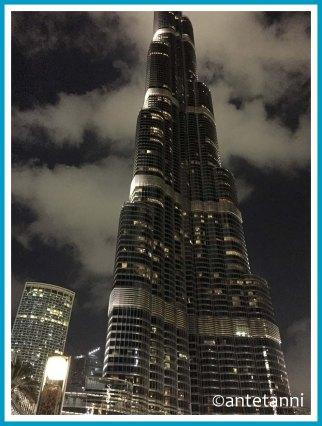 antetanni-fotografiert_52-fotoreise-blogzimmer_weit-weg_24-burj-khalifa-dubai-wolken