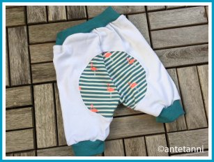 antetanni-naeht_Babyhose-Coming-Home-Kits4Kids-Flamingo_Rueckseite-Poflicken_068